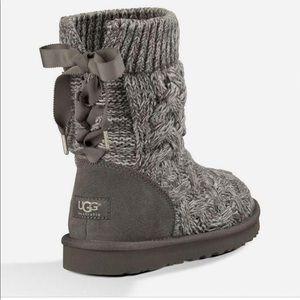 UGG- Isla Boots